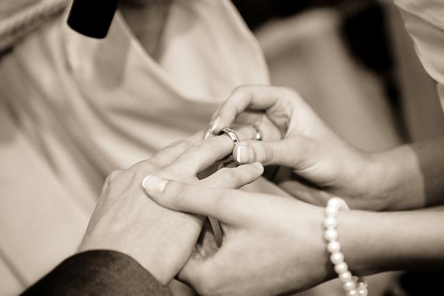 アンジャ渡部建と『行列』で結婚を発表した佐々木希のインスタがヤバイことに…