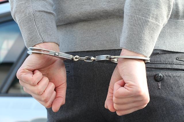 【世も末】兵庫県警の巡査長が娘にわいせつ(近親相姦)で逮捕「何で名前と顔を出さないの?」